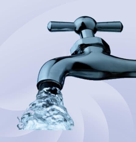Водопостачання - смеситель с водой.